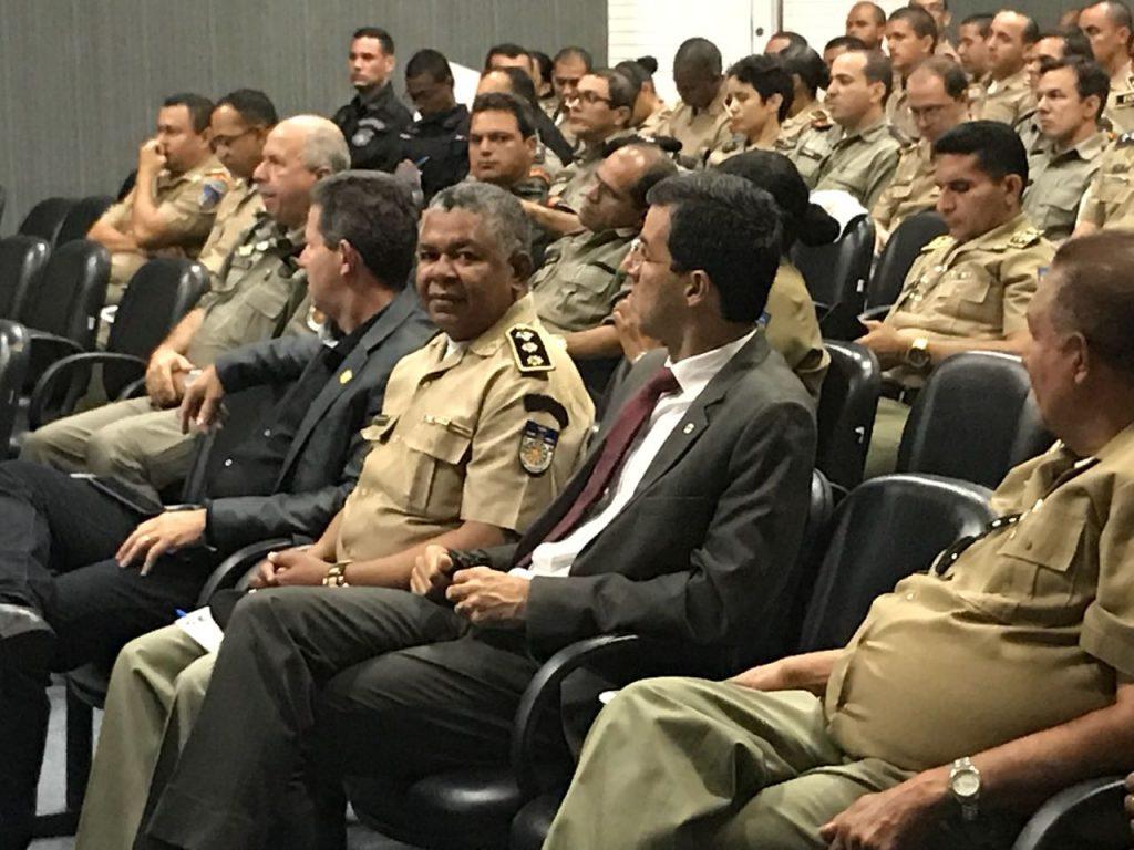 A Associação dos Oficiais Militares de Alagoas -ASSOMAL, marca presença no Seminário sobre a Legalidade da Lavratura do TCO  pela Polícia Militar