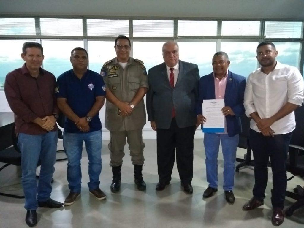 Presidente da Associação dos Oficiais Militares  de Alagoas Participa de Reunião com Presidente do TRE/AL