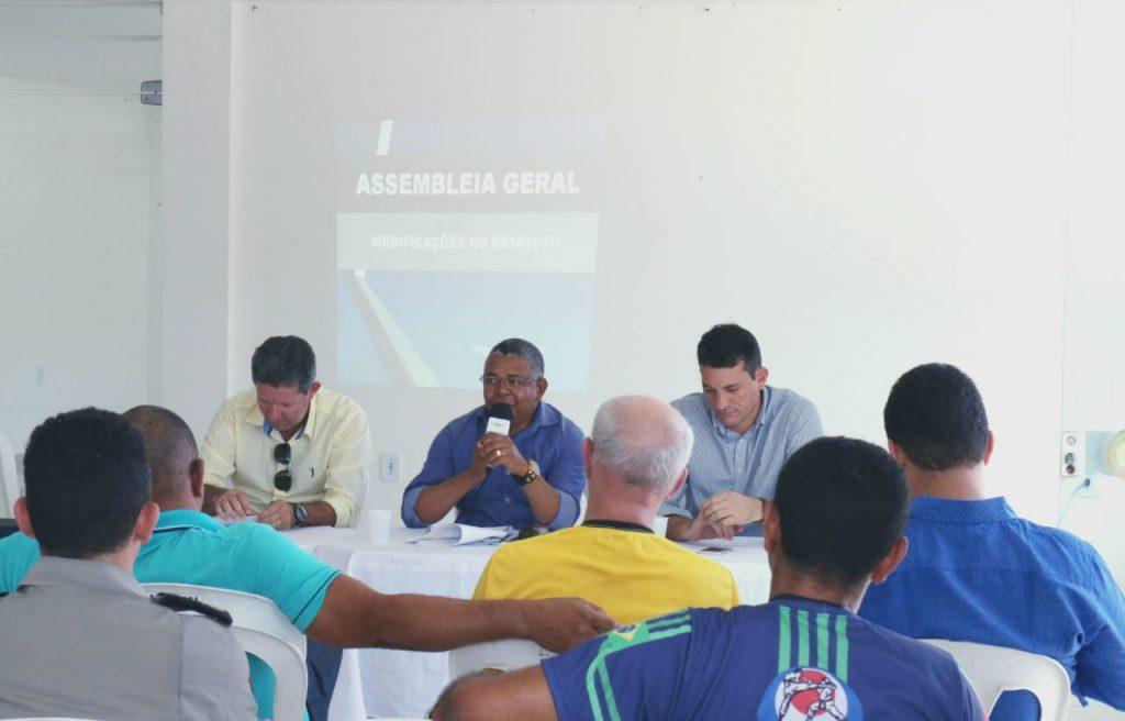 Associação dos Oficiais Militares de Alagoas aprova, em assembleia, a mudança do estatuto.