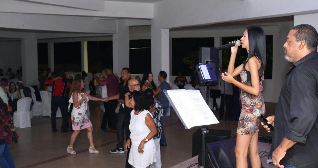 Baile das Estrelas é sucesso de público na Assomal